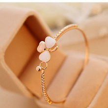 2017 Newly Lucky Clover Bracelets Golden Heart-shaped Rhinestone Bracelets& Bangles Jewelry Accessories