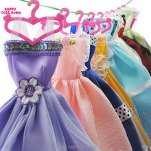 Random Pick 5 PCS Mix Fashion Handmade Dress Cute Clothes + 5 Mix Pink Hangers For Barbie Doll Accessories Child' Best Gift 5G5P