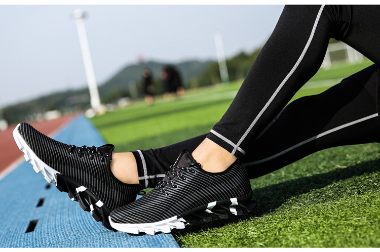 17New Hot Light Running Shoes For Men Breathable Outdoor Sport Shoes Summer Cushioning Male Shockproof Sole Athletic Sneakers 24