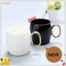1pcs Gold Handle Coffee Cup Tea Mug Solid Black And White Ceramic Cup Business Gift Glass Leisure Bar Cafe Supplies 5ZDZ308(China)