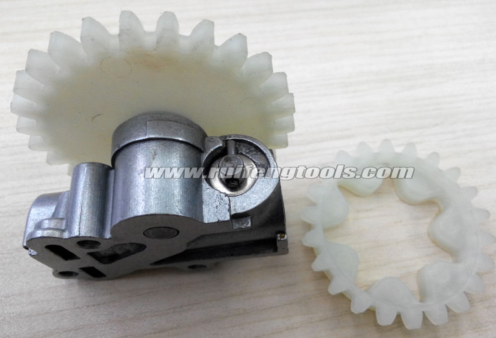 MS038 380 381 chainsaw spares oil pump with worm gear<br><br>Aliexpress