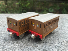 TT03 Learning Curve Thomas & Friends Take N Play Metal Diecast Toy Train Car Annie & Clarabel 2pcs New Loose