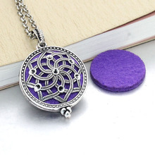 2 pcs Aroma Diffuser Necklace Open Antique Lockets Pendant Perfume Essential Oil Aromatherapy Locket Necklace With Pads 031216