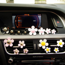 4XCar Outlet Perfume Daisy Flower Air Vent Clip Vehicle Perfume Air Freshener Women parfum Girl Car Styling 100 Original