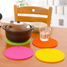 Creative Candy Color Waterproof Silicone Anti-Slip Heat Insulation Table Mats Cup Mat Cup Coaster Kitchen Accessories Retail