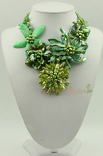 N14061008 green MOP shell green FW pearl flower necklace
