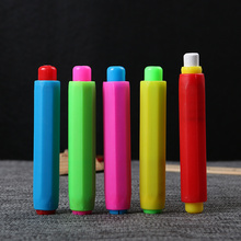 2PCS Teacher Blackboard Plastic Clutch Chalk Holders Chalk Color Randomly Chalk Holder(China)