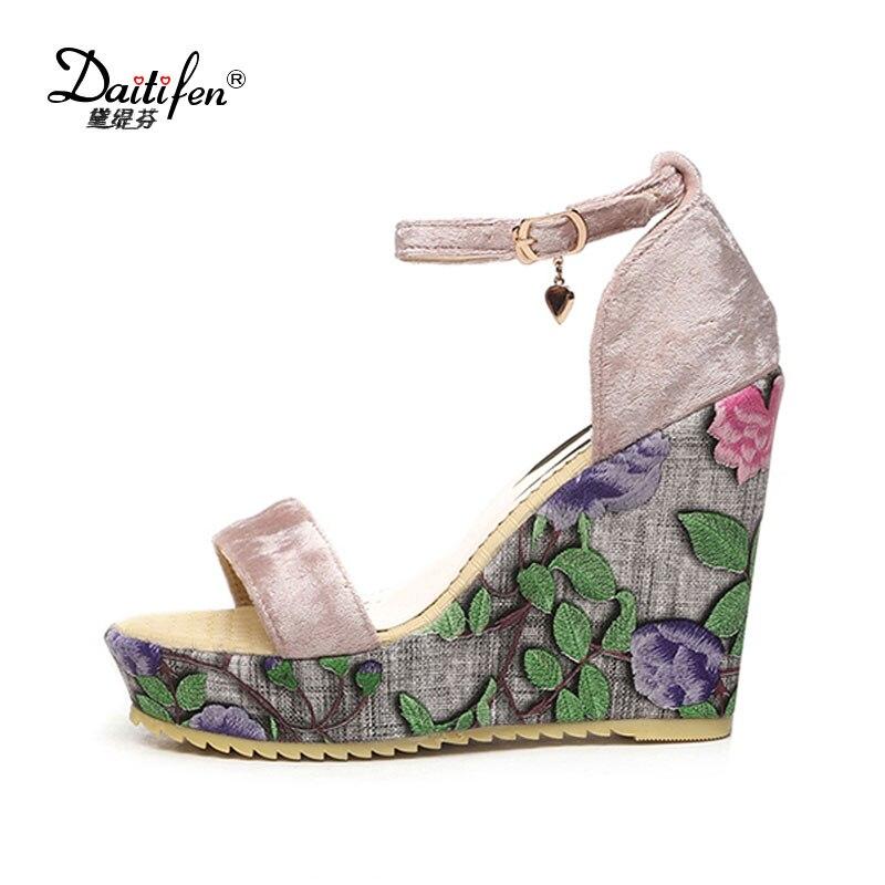 Daitifen 2017 Plus Size 34-43 Summer Style Women Wedge Sandals Fashion Concise Open Toe Platform High Heels Women Sandals Flower<br>