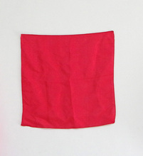 1pcs 30*30cm red Silk Scarf Magic Tricks Learning & education Magic silk for close up magic prop 400magic