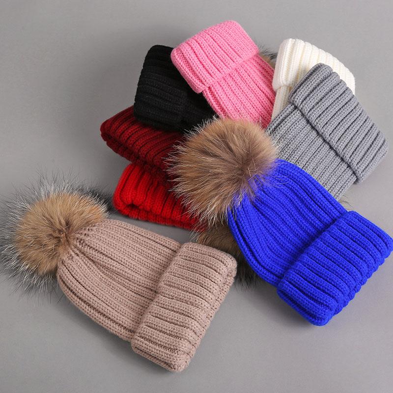 kid hat with fur pompom 2