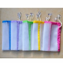 3 Pockets Wall Bathroom Bath Toy Storage Organizer Mesh Bag Makeup Pouch Holder with Vacuum Suction Cups Random Color