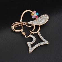 Fashion Gold Color Vintage Brooch Pins Female Brand Jewelry Queen Flower Brooches Rhinestone For Women Jewelry Gift