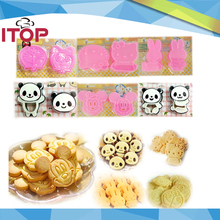 ITOP 5pcs/lot Adorable Hello Kitty 3D Cookie Cutter Cute Cookie Sandwich Stamp Stencil Press Mold Mickey Panda Rabbit Doraemon