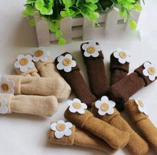 4pcs/lot chair leg socks cloth gloves for chair Protect Floor Knit Flower Leg Sleeve Table Chair Covers chair Sock