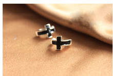 Star Magazine Models Korean Jewelry Fashion Personality Black Cross No Pierced Ear Clip Ear Cuff  LM-C119