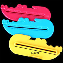 1pcs Creative Cartoon Crocodile Shape Toothpaste Cosmetics Tube Squeezer Easy Press Dispenser
