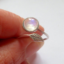 Women Fashion Jewelry Elegant Silver Moonstone Ring in Sun Moonstone Ring Engagement Party Adjustable Alloy Ring Jewelery(China)