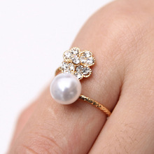 Simple Flower Rings For Women Simulated Pearl Ring Shining Crystal Adjustable Ring gold