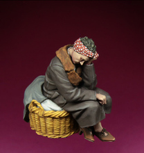 [tuskmodel] 1 35 scale resin model figures kit WW2 European refugee woman(China)