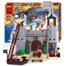 366pcs 2016 new Castle Series Pirates Robbery Barracks Model Building Blocks Sets DIY Toys Compatible With Lego