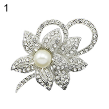 2016 Latest Wedding Bridal Flower Grapes Leaf Faux Pearls Brooch Crystal Alloy Pin Brooches  NY79 7FZD 89ZT