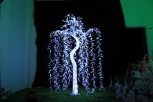 Free ship 945 LEDs Willow Tree Light 1.8M/6FT Height White Christmas Holiday /Garden/Wedding/ party Home garden decor waterproof(China)