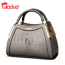 Buy 2018 Ladies Messenger Handbags Crocodile Pattern Handbags Women Shoulder Bags Fashion Wild Middle-aged Mom Package Totes Bolsas for $20.96 in AliExpress store