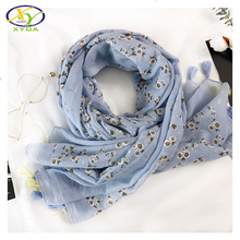 1PC 2017 Spring New Design Acrylic Cotton With Flower Printed Fashion Women Tassels Long Scarf Woman Viscose Pashminas Shawls