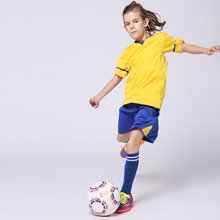 2017 Boys Blank Soccer Jerseys Sets Girls Custom Uniforms Training Suits Youth Kids Survetement Football T-shirt and Shorts Kits