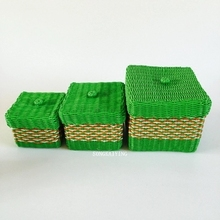 Three pieces of hand woven plastic basket, storage basket, remote control device woven basket, the box has a cover cap(China)