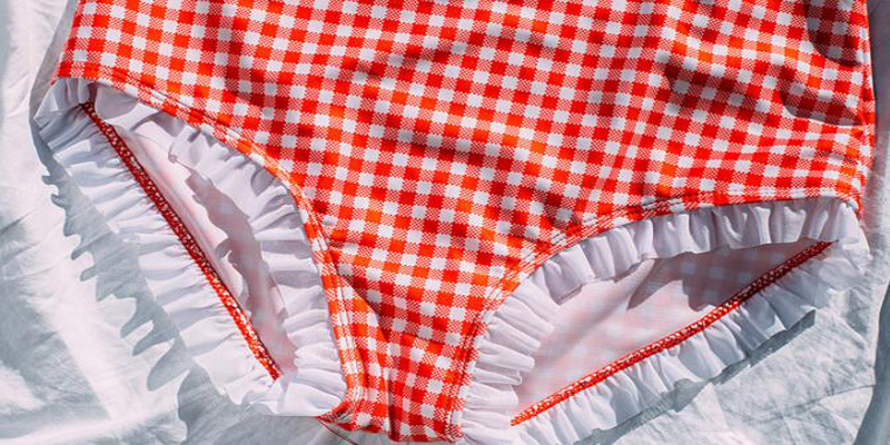 4Summer Holiday Bathing Costume Sexy White And Red Plaid Two Piece Swimsuit Vintage Bandage Ruffle Bottom Swimming Wear For Women