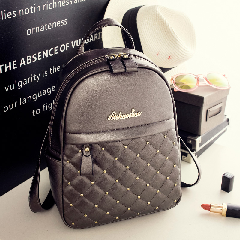 Women Rivet Fashion Backpack Brand Luxury College Student Satchel Large Pretty Schoolbag Ladies Travel Leather Shoulders Package<br>