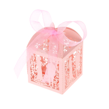 50pcs Romantic Laser Cut Wedding Candy Box Pearl Paper Hollow Out Gift Box Wedding Favor Valentine Engagement Party Accessories
