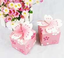 100 pcs European New Pink Cherry blossoms Flower Stamen Sugar Candy Boxes Wedding Favors Square Paper Gift Box