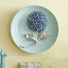 Beautiful Hydrangea Resin Decorative Hang Dish Contemporary European Background Wall Plate Furnishing Articles Gifts(China)
