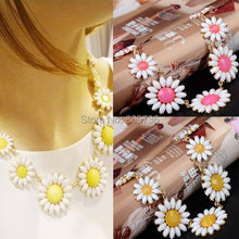 1PC Hot fashion candy color acrylic daisy necklace Yellow Pink flower choker neclace for women party Jewelry Free Ship