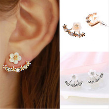 2016 Korean Style Small Flower Daisy Stud Earrings For Women Rhinestone Elegant Silver Earings Jewelry 8ED46(China)