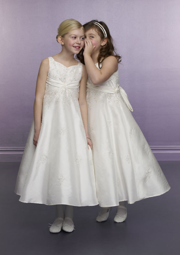 Elegant A-Line Ivory Embroidery Satin Bowknot Sash Ankle Length 2017 Girls First Communion Dress Holy Communion Dress<br><br>Aliexpress