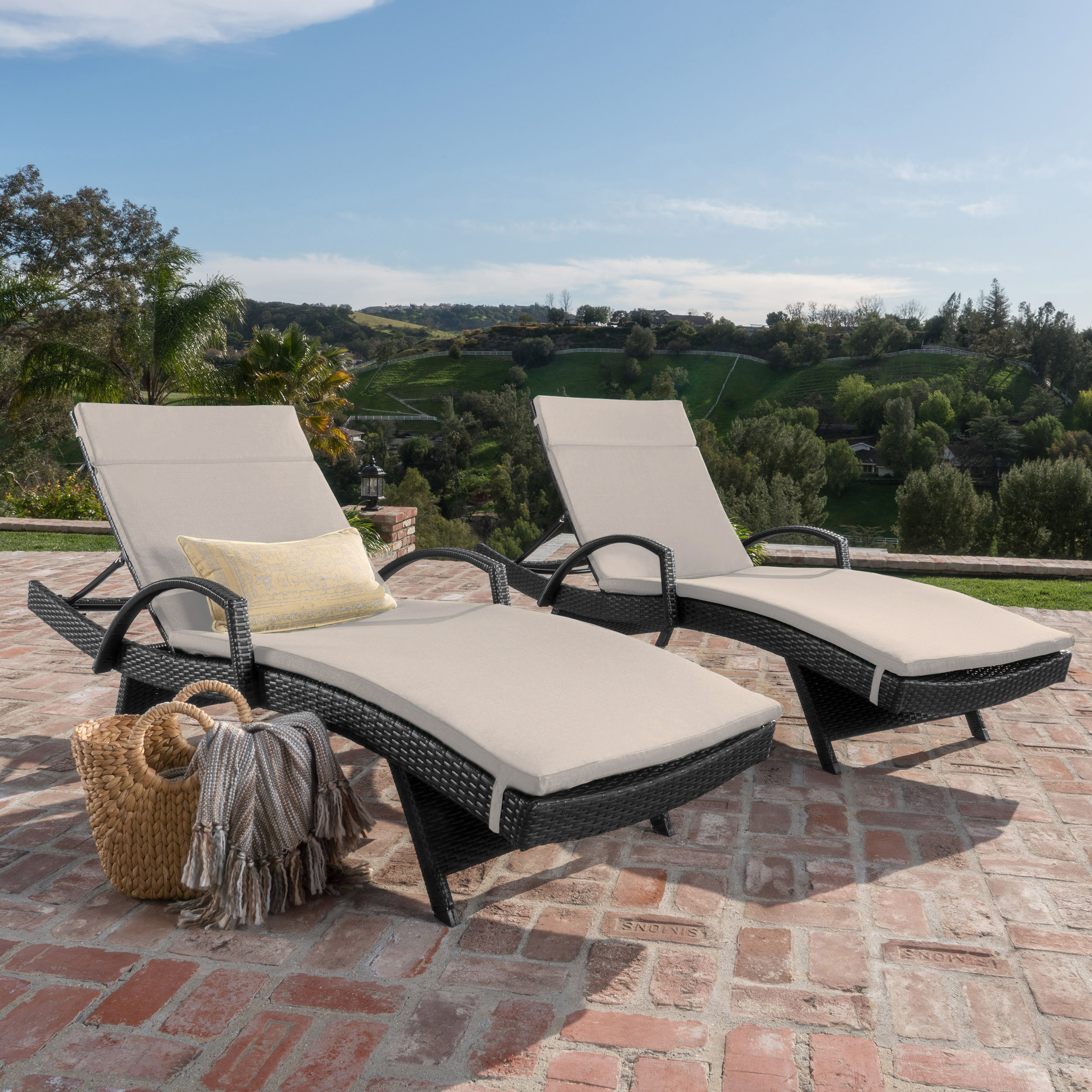 Soleil Outdoor Wicker Chaise Lounges w/ Water Resistant Cushions (Set of 2) (3)