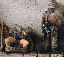 Resin Kits 1/35 German Soldier Relieve Themselves Free Shipping 1 set(China)