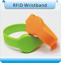 IP68 waterproof silicone 125khz TK4100 rfid wristband ID bracelet 5 cm read distance OEM service(China)