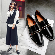 Genuine Leather Retro Quality Comfortable Low Heel Flat Shoes Woman Pointed Toe Metla LOGO Loafers 2017 Oxford Shoes For Women