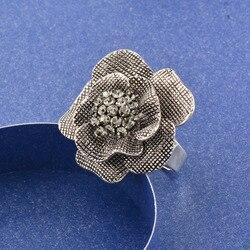 Женское кольцо с натуральным фианитом