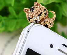 Korea Full of Diamond Jewelry Sleepy Little Cat Phone Dust Plug For Iphone and All 3.5mm Earphone Plug Smart Phone