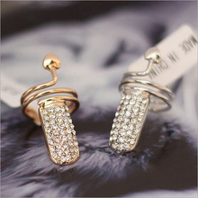 2015 New !! Fashion Jewelry Wholesale Individuality Heart Full Rhinestones Dazzling Beautiful Wedding Gilded Rings For Women R-7