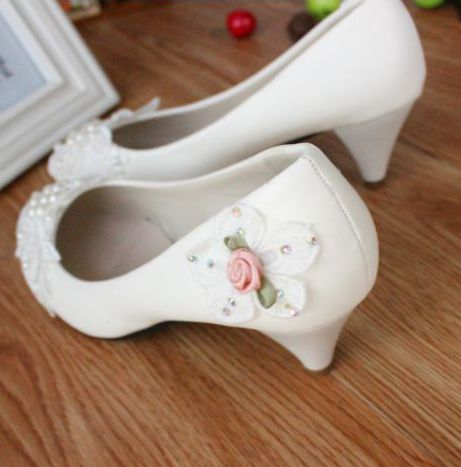 White mie-heel low high heels bridal shoes pump for spring summer, TG054 sweet design beading pearls flower girl party shoes<br>