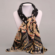 2017 Women Retro Scarves Printing Floral Pattern Classic Wild Women Pashmina Four Seasons Square Soft Grace Female Scarves women