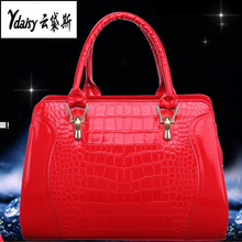 2017 new style high quality pu leather crocodile lines tide patent leather handbag single shoulder bag shell package