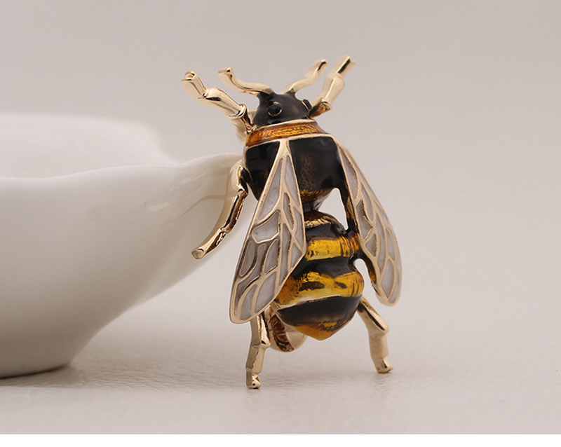 bee-brooch_10