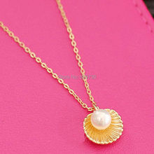 Brand Design Women Little Golden Sea Shell Pearl Mermaid Nautical Necklace Chic Girls Pendant Clavicle Short Chain Jewelry